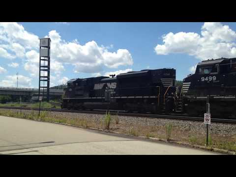 Loud NS train storms through the Waterfront in Homestead PA