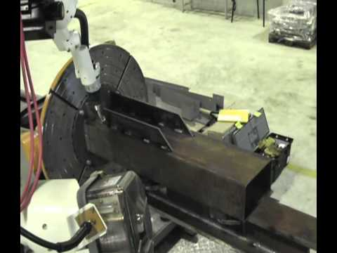 Robotic welding with a Rotating-tilting positioner.avi