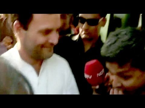 Lighter side of politics: Rahul Gandhi treats NDTV reporter to a samosa