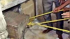 170 साल से बंद था तहखाना, जब खजाने की खोज में खोला तो ये हाथ लगा
