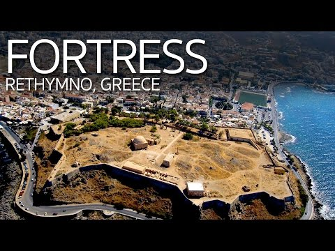 Eating Greek Food with Friends | Rethymnon Fortress | Crete Greece