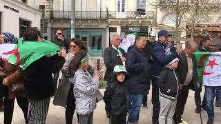 Rassemblement à Angoulême pour soutenir le peuple algérien