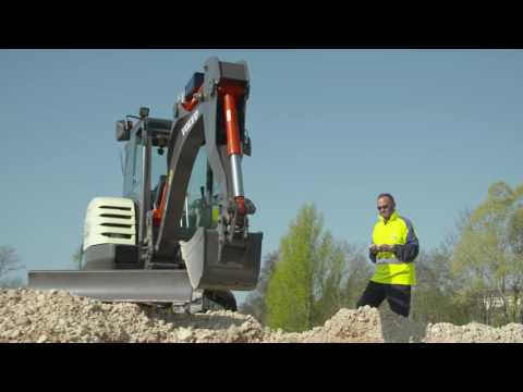 Volvo CE fully electric excavator: the EX2