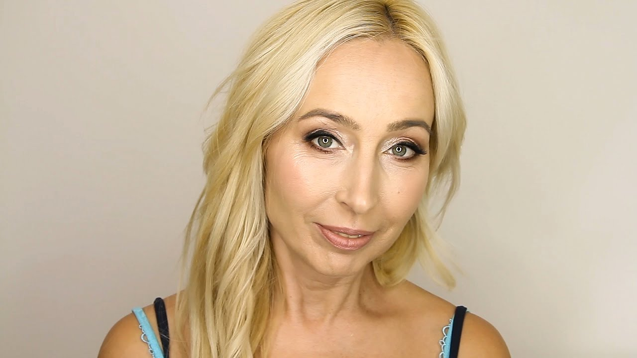 Шикарная возрастная красотка с обалденными данными онлайн видео фото 600-367