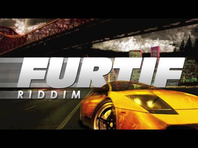 DATCHA DOLLARZ  - SIDDUNG PON IT (FURTIF RIDDIM) (Juil 2013)