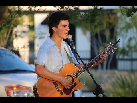 Sebastian Valenzuela performs at Lakeside DFW, July 22, 2016