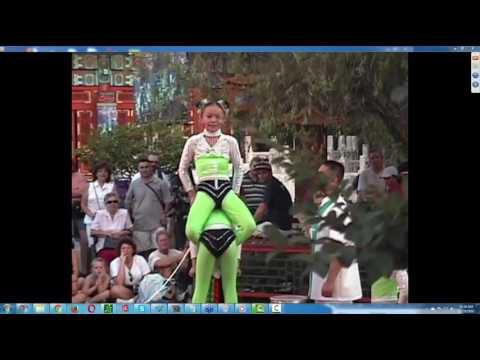 Epcot Chinese Acrobats