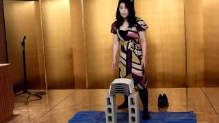 2011年関東鹿児島県人会連合会にて 前田瑠美(まえだ・るみ)さんの瓦割...
