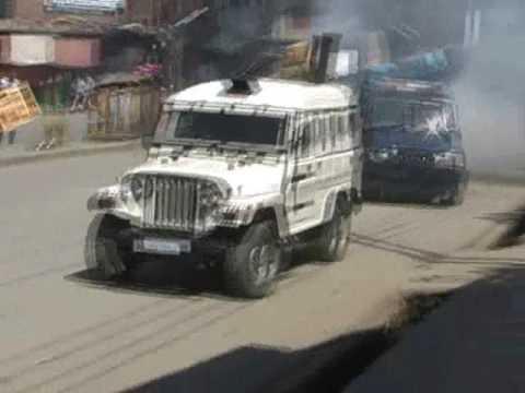 Heavy Tear Gas Shelling In Anantnag