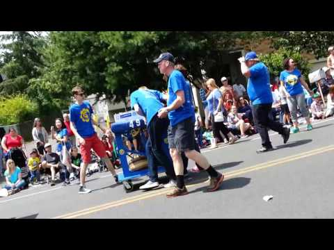 Bainbridge High School Spartronics Club at the Bainbridge Island Grand Old Fourth of July Parade