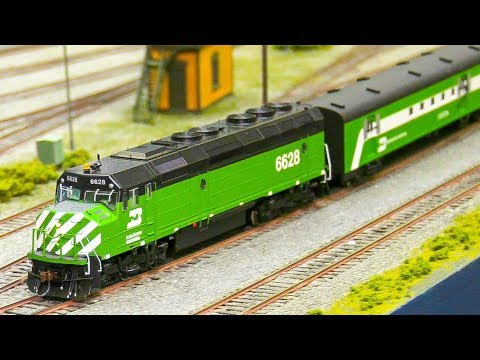 SUPER LONG RC TRAIN! 54 TRAILER+ 3 RC LOCOMOTIVES! GREAT RAILWAY RAILROAD INSTALLATION