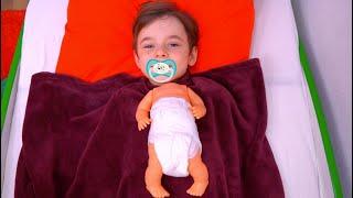 Bogdan s a transformat in bebelus