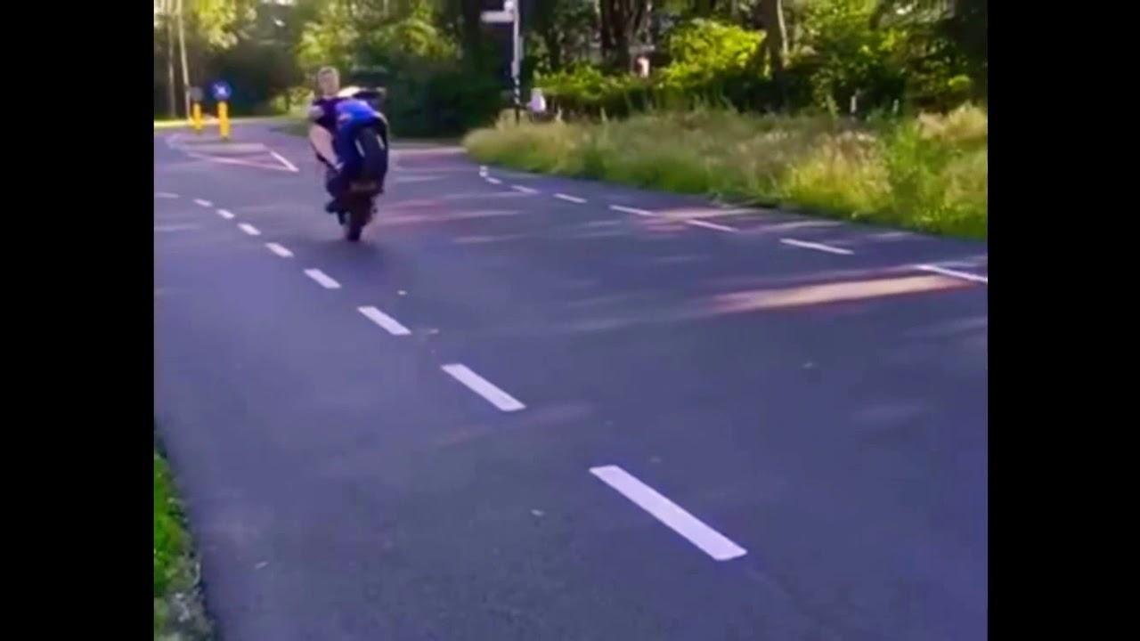 Onwijs Puch Zip Type 3 piaggio wheelie - YouTube FO-19