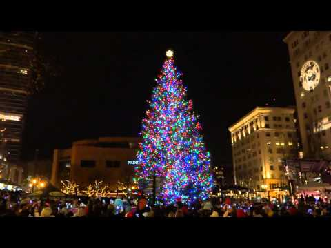 Portland, Oregon - Christmas Tree Lighting, Pioneer Courthouse Square