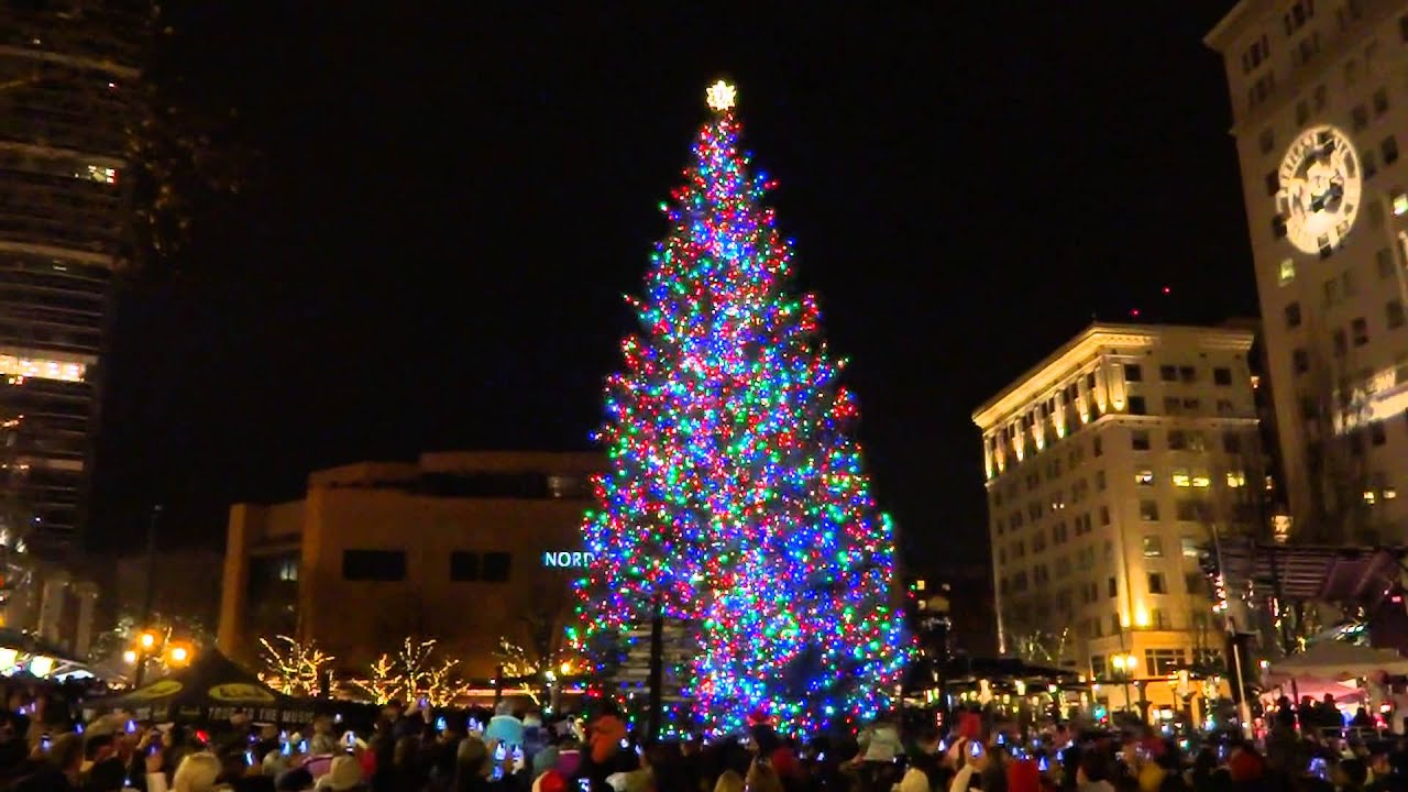 portland oregon christmas tree lighting pioneer courthouse