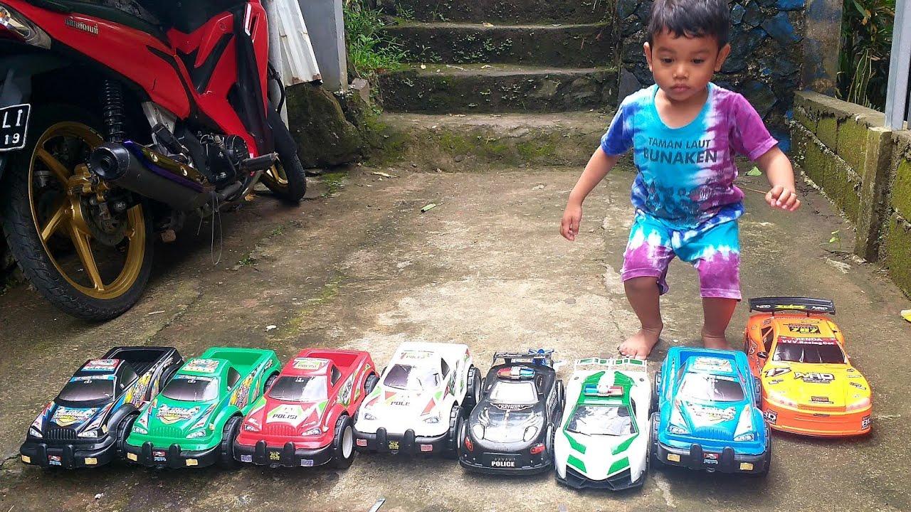 Mainan Anak Mobil Mobilan Banyak Sekali Zefanya Oyanio Youtube