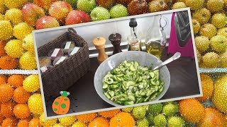 №3. Салат с огурцом, луком и кедровыми орешками