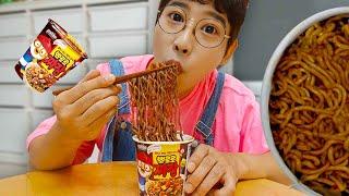 뽀로로 짜장면 먹기 놀이 주방놀이 요리놀이 Pororo Black Noodle pretend play for kids & children