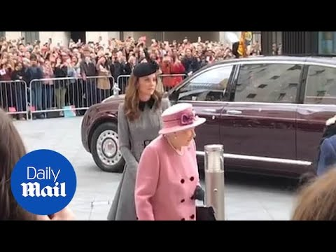 The Queen and Kate arrive at Kings College for a joint engagement
