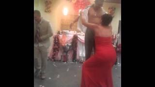 Стриптиз на свадьбе.Девушка жжёт!