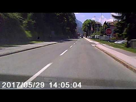 """""""Parked car"""" rolled downhill - Dashcam"""