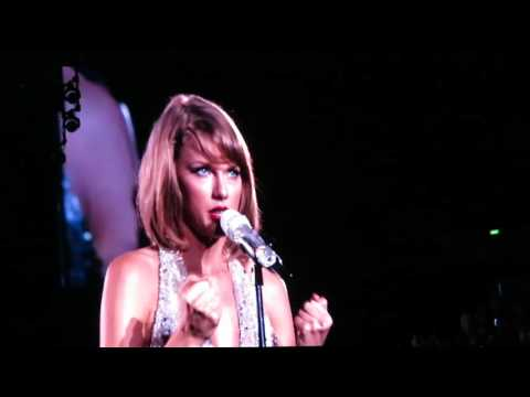 Taylor Swift 1989 tour SG - This Love (07-Nov-2015)