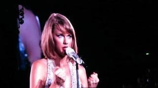 Taylor Swift 1989 tour SG - This Love (07-Nov-2015)