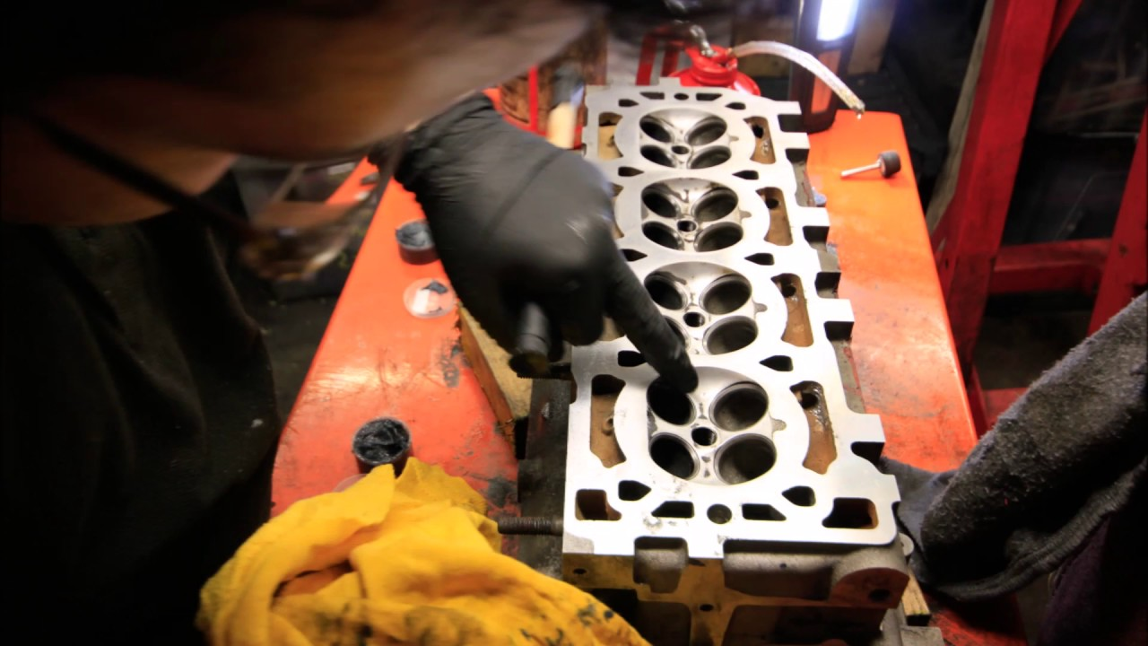 Time Lapse - Building a Lotus Elise K Series 1.8 VVC - YouTube