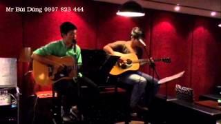 Biểu diễn đàn guitar ở các phòng trà khách sạn - 0907.823.444