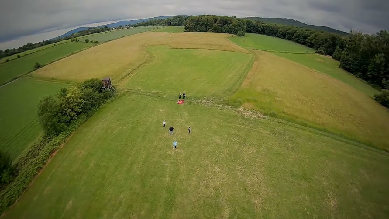 Family playing on the field #fpv #drone картинки