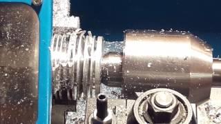 Делаем радиатор для вакуумного двигателя(Отрезаем, сверлим, растачиваем, торцуем заготовку на токарном. Делаем радиатор охлаждения для вакуумного..., 2016-08-15T01:10:52.000Z)
