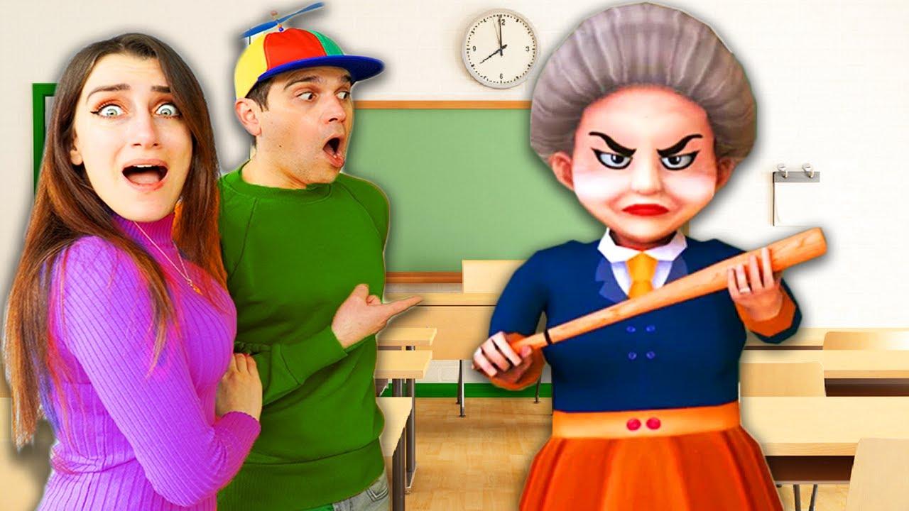 MAI GIOCARE CON L'EX FIDANZATO DI SCARY TEACHER!!GIOCHIAMO A SCARY ROBBER,MAMMA VIRTUALE!!!