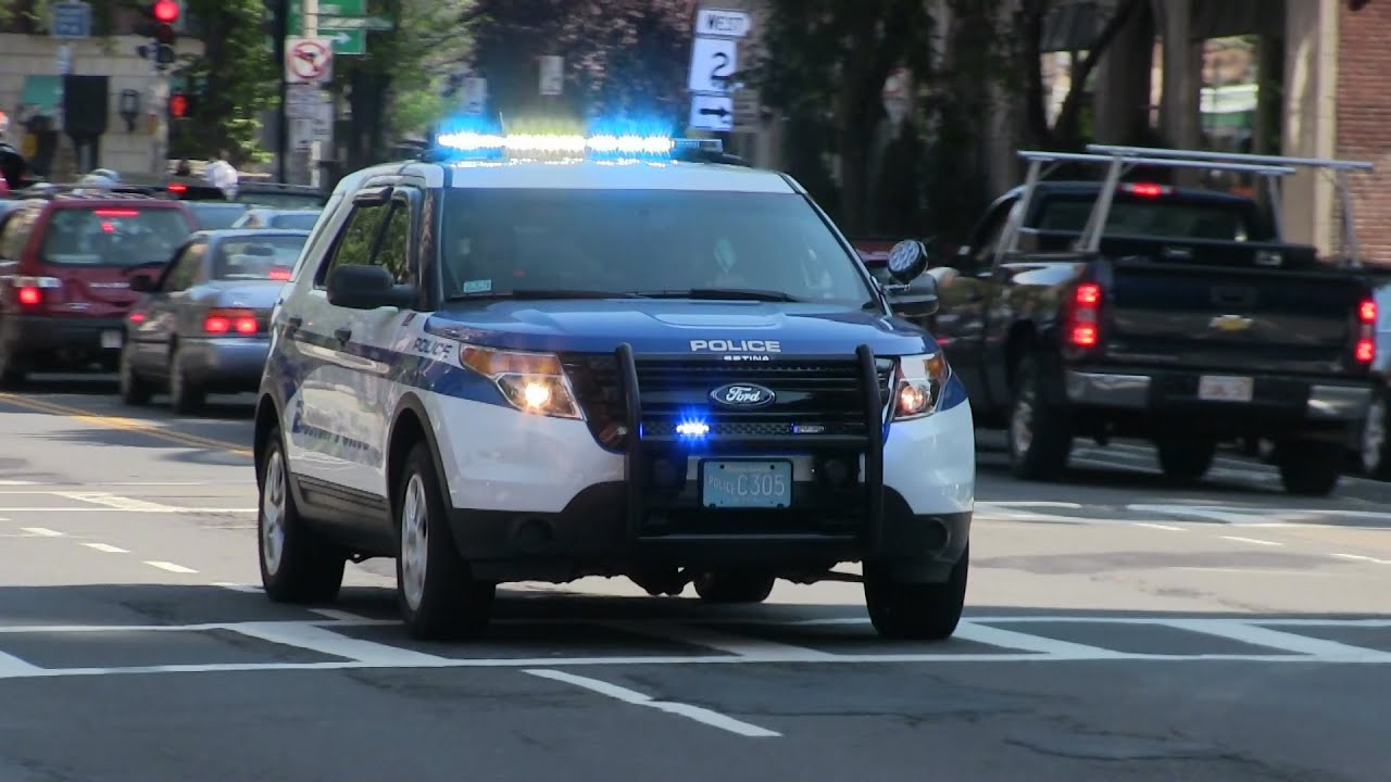 [That V6 Sound] Ford Police Interceptor Utility responding ...