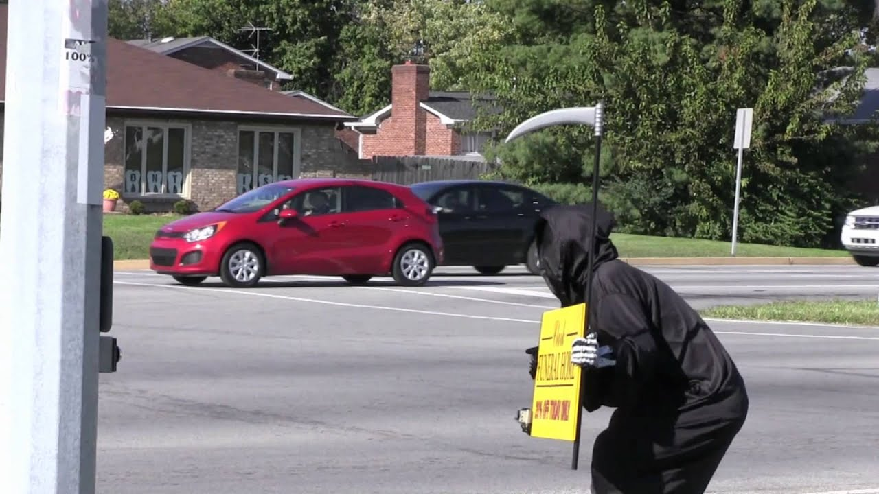 epic grim reaper prank by tom mabe youtube - Funny Halloween Prank