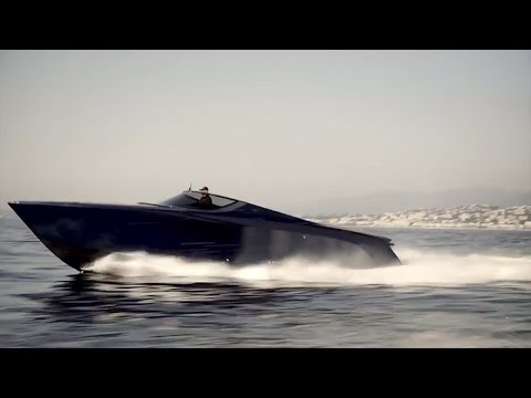 Aston Martin AM37, 1040hp powerboat review