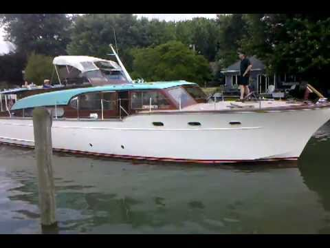 Algonac Antique and Classic Boat Show Chris Craft Conqueror 53ft