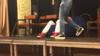 видео Александра Стриженова закрутила роман с 17-летним парнем