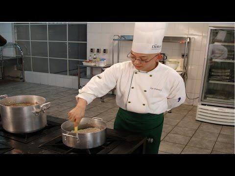 Clique e veja o vídeo Curso Básico de Cozinha