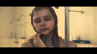 "carrie ""chloe moretz"" escena de la ducha, shower ecene"