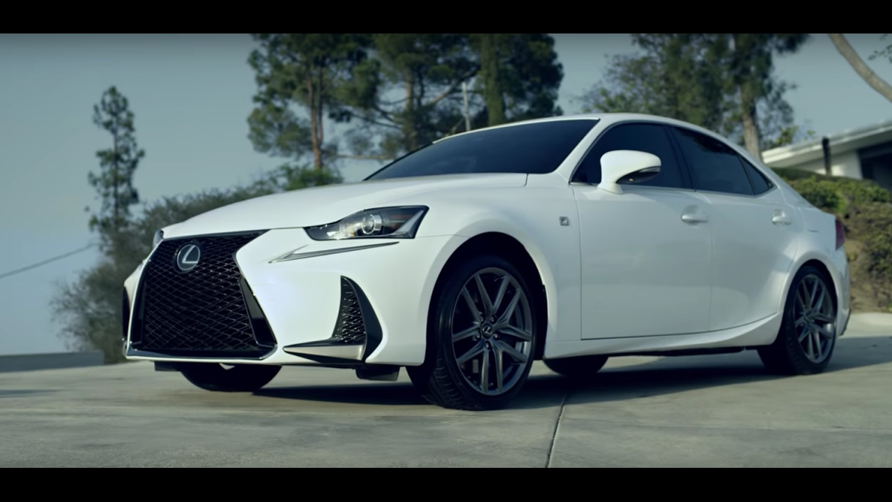 Présentation et évaluation de la Lexus IS - YouTube