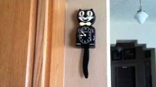 Kit-Kat clock