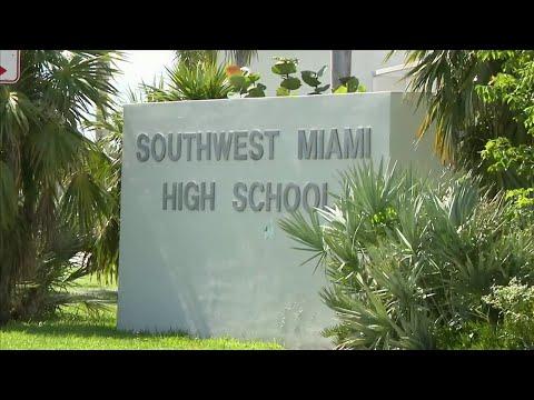 Student accused of bringing gun to Southwest Miami Senior High School