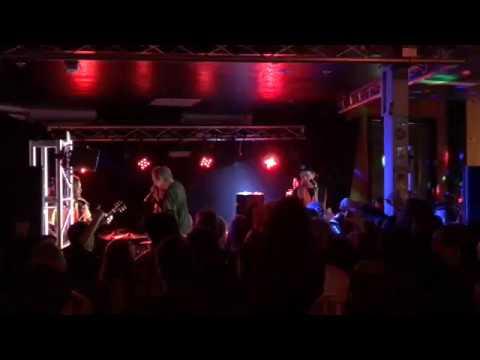 "Frenzal Rhomb ""Bucket Bong"" live at The Music Man Bendigo - 27/07/17"