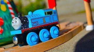 Thomas' Christmas Wonderland Set Wooden Railway Exclusive Toy Train Set Mattel Fisher Price