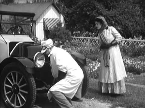 1940s Sexism and Gender Roles: Easy Does It (1940) - CharlieDeanArchives / Archival Footage