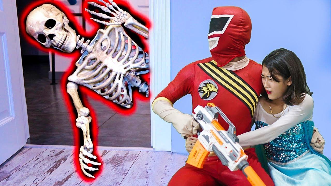 MKTD Nerf Wars : Superheroes Team SEAL X Nerf Battle Gun Fight Mystery Enemy Rescue Friend