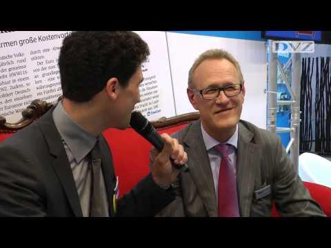 Rotes Sofa: Frank Dreeke im DVZ-Interview