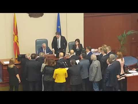 Xhaferi attacked by Gruevski in Macedonian parliament 14.03.2018