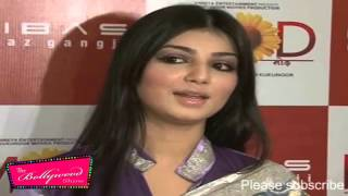 Very Sexy Busty Ayesha Takia Promotes 'Mod' At Riyaz Gangji's Libaas Store