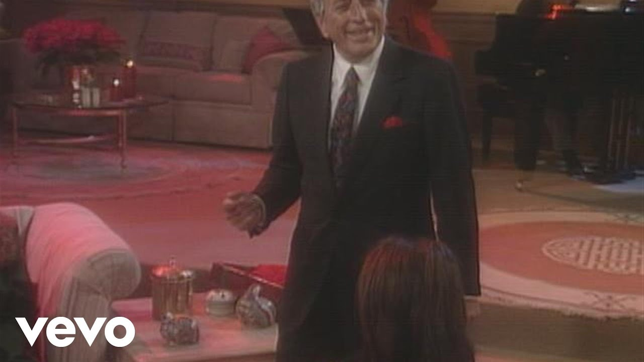 Tony Bennett - I've Got My Love to Keep Me Warm (from A Family Christmas)